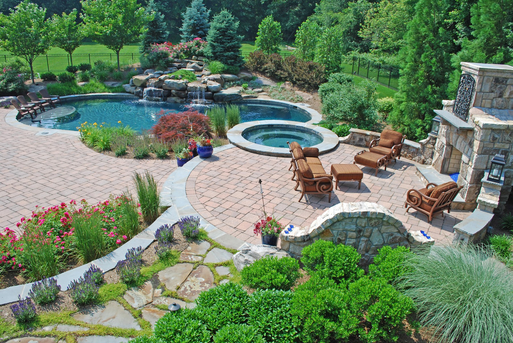 Landscaping services plymouth mn for Landscape design photos